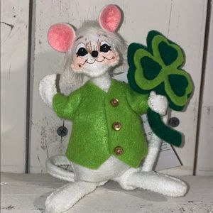 ☘️AnnaLee St. Patrick's Day White Mouse☘️